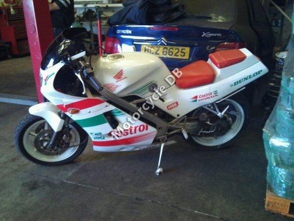 Honda VFR 400 NC24 1987 7217