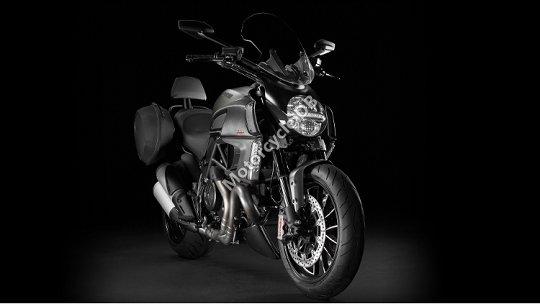 Ducati Diavel Strada 2013 23146