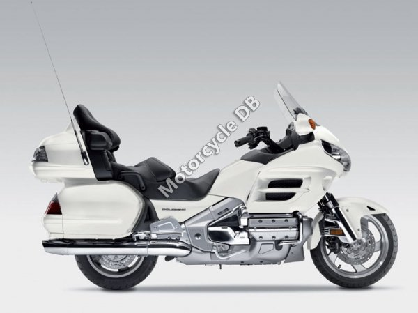 Honda GL1800 Gold Wing Deluxe 2010 11172