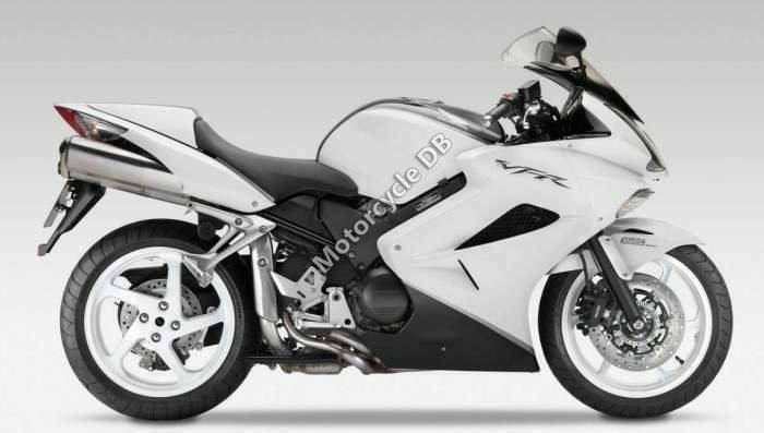 Honda VFR800 2013 24686