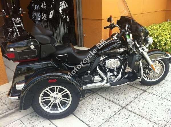 Harley-Davidson FLHTCUTG Tri Glide Ultra Classic 2009 15957