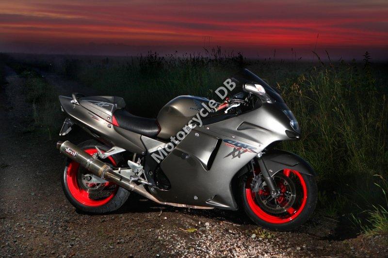 Honda CBR 1100 XX Super Blackbird 1998 30106