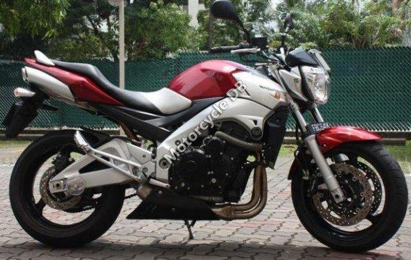 Suzuki GSR 400 2011 6488