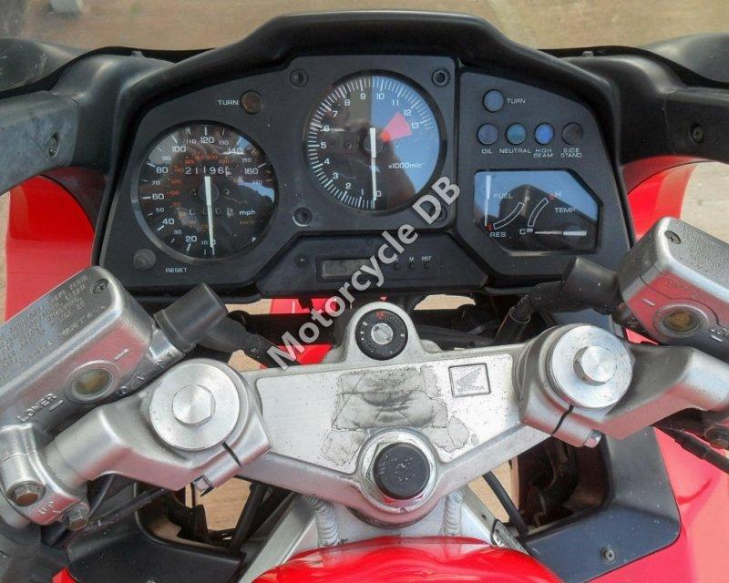 Honda VFR 750 F 1993 30593