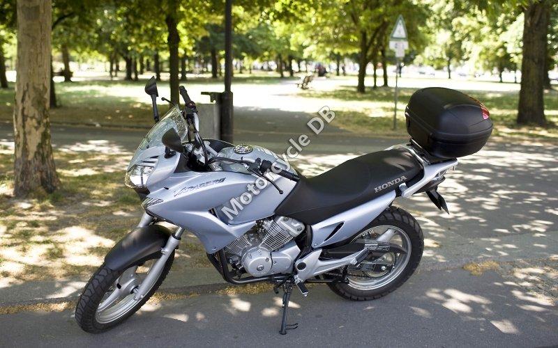 Honda XL125V Varadero 2007 30982