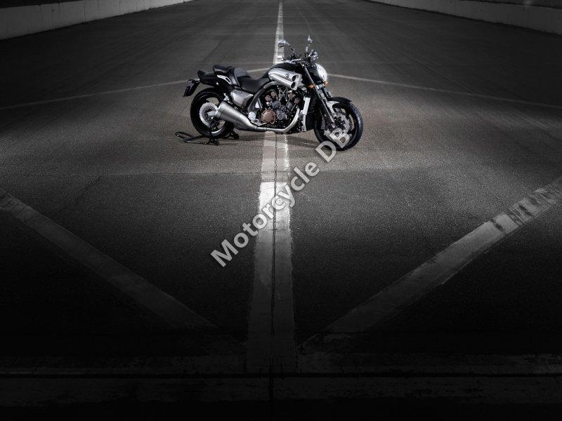 Yamaha VMAX 2013 26528