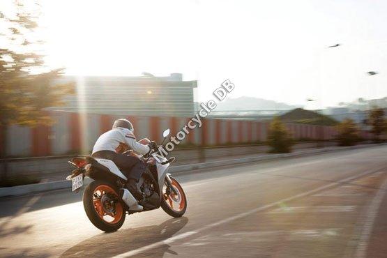 Honda CBR125R 2011 6211