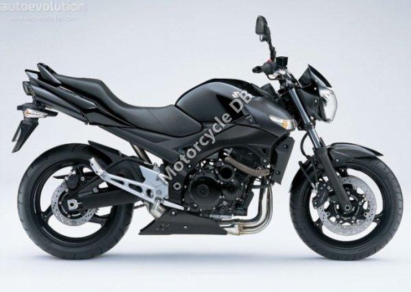 Suzuki GSR600 2009 17951