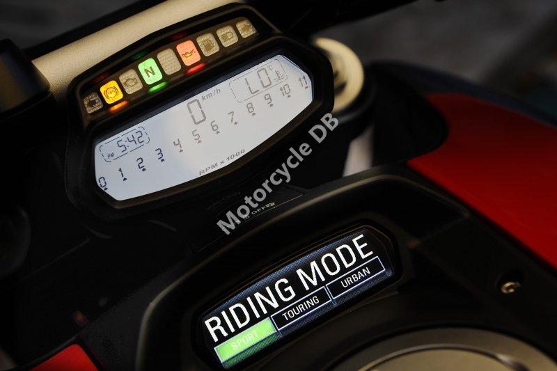 Ducati Diavel Cromo 2013 31385