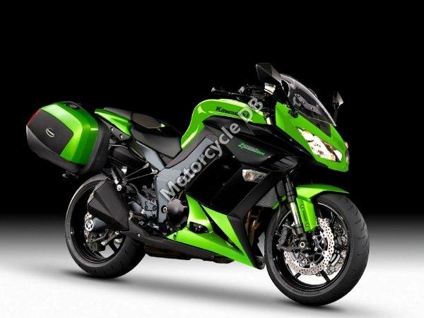 Kawasaki VN 1700 Classic Tourer 2012 22228