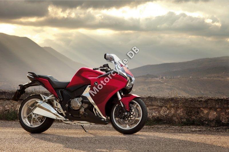 Honda VFR1200F 2012 30201